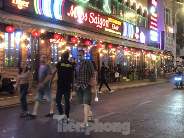 TPHCM tạm dừng vũ trường, quán bar, karaoke từ ngày 9/2 ảnh 1