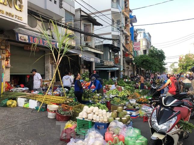Chen chân mua đồ cúng trước ngày Vía Thần tài ảnh 19
