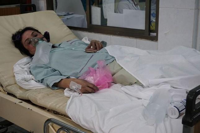 Hàng chục nạn nhân vụ cháy chung cư vẫn đang điều trị tại bệnh viện ảnh 8