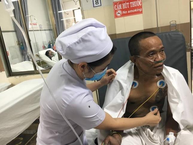 Hàng chục nạn nhân vụ cháy chung cư vẫn đang điều trị tại bệnh viện ảnh 9
