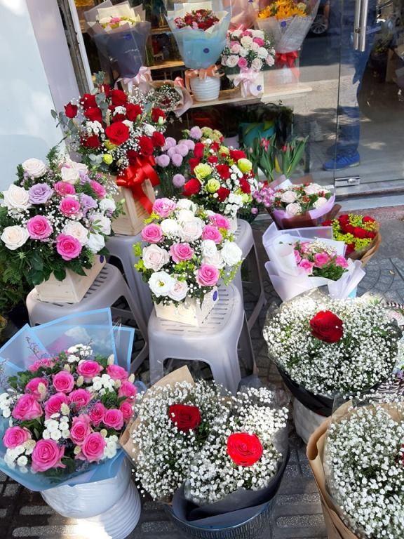Giá hoa hồng tăng gấp đôi ngày 14/2, nhiều bạn trẻ vẫn chi đậm ảnh 9