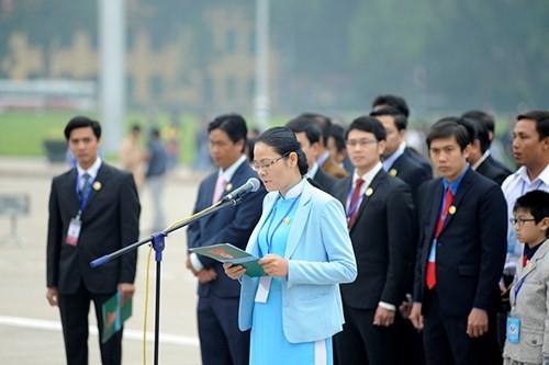 Đại biểu Tài năng trẻ Việt Nam báo công dâng Bác ảnh 5