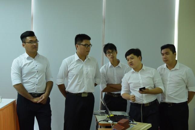 Sinh viên IT chế tạo khóa 'thông minh' ảnh 1