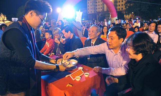 Thiếu nữ Dao khoe sắc đêm hội thưởng trà hữu cơ - Organic ảnh 1