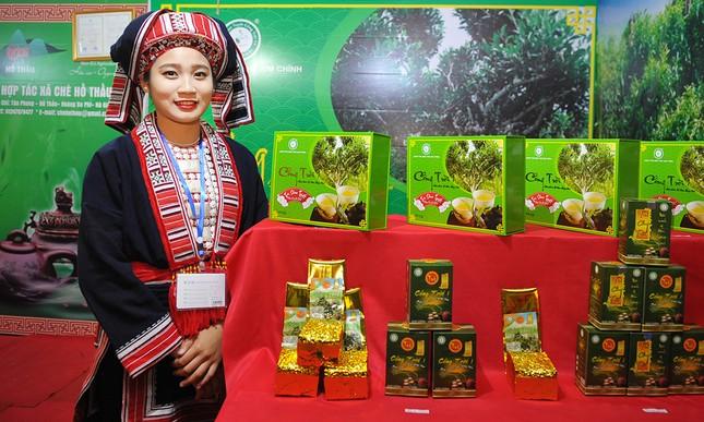 Thiếu nữ Dao khoe sắc đêm hội thưởng trà hữu cơ - Organic ảnh 2