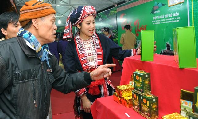 Thiếu nữ Dao khoe sắc đêm hội thưởng trà hữu cơ - Organic ảnh 4