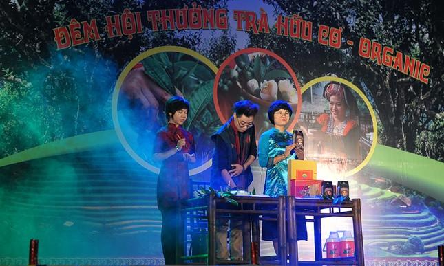 Thiếu nữ Dao khoe sắc đêm hội thưởng trà hữu cơ - Organic ảnh 8