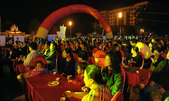 Thiếu nữ Dao khoe sắc đêm hội thưởng trà hữu cơ - Organic ảnh 9