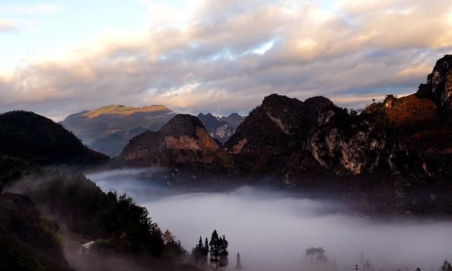 'Săn mây' trên đỉnh cực Bắc Tổ quốc ảnh 3