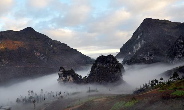 'Săn mây' trên đỉnh cực Bắc Tổ quốc ảnh 2