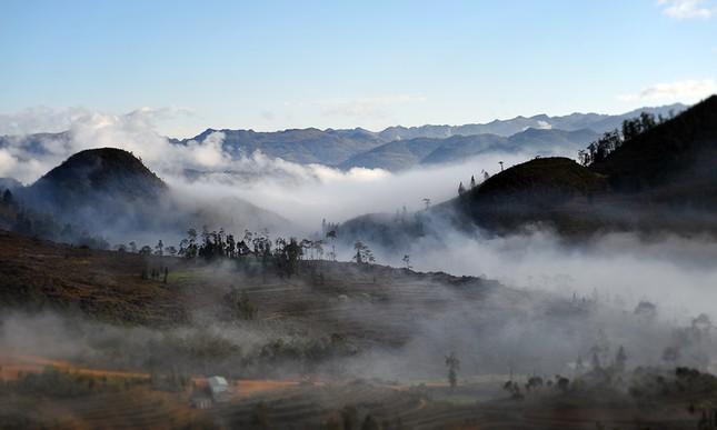 'Săn mây' trên đỉnh cực Bắc Tổ quốc ảnh 9