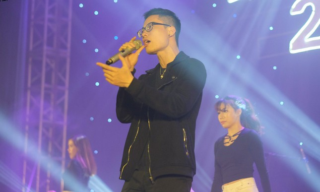 Hát hit của Lê Cát Trọng Lý, giọng ca Luật giành quán quân Let's Sing 2017 ảnh 4