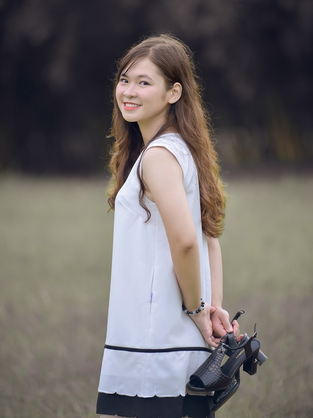 Lộ diện thí sinh hoa khôi sinh viên Hà Nội khả ái ảnh 6