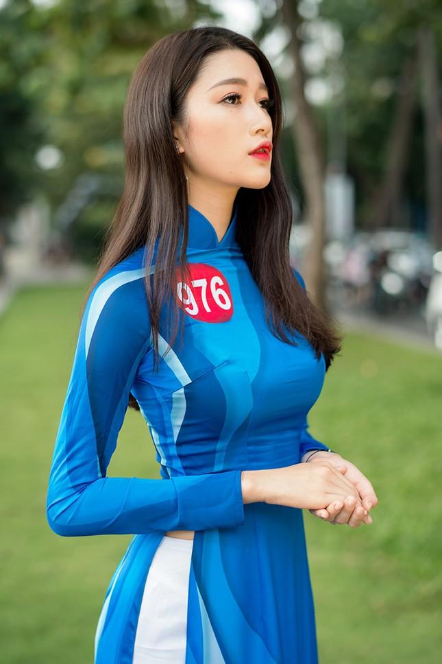 Thí sinh Hoa khôi Sinh viên Việt Nam khoe dáng áo dài thanh niên ảnh 20