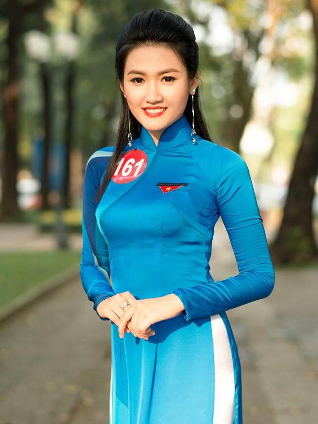 Thí sinh Hoa khôi Sinh viên Việt Nam khoe dáng áo dài thanh niên ảnh 4