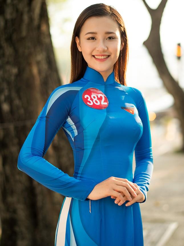 Thí sinh Hoa khôi Sinh viên Việt Nam khoe dáng áo dài thanh niên ảnh 5