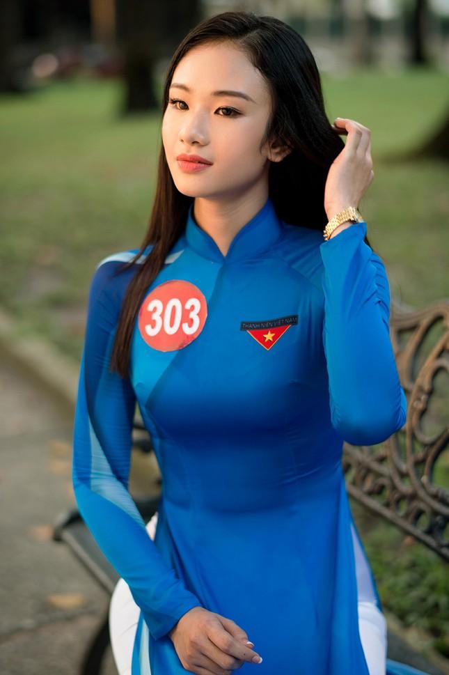 Thí sinh Hoa khôi Sinh viên Việt Nam khoe dáng áo dài thanh niên ảnh 7