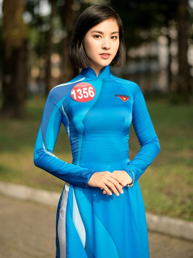 Thí sinh Hoa khôi Sinh viên Việt Nam khoe dáng áo dài thanh niên ảnh 6