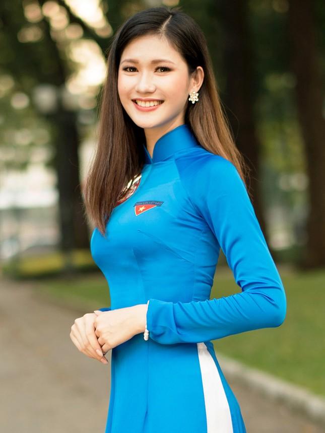 Thí sinh Hoa khôi Sinh viên Việt Nam khoe dáng áo dài thanh niên ảnh 1