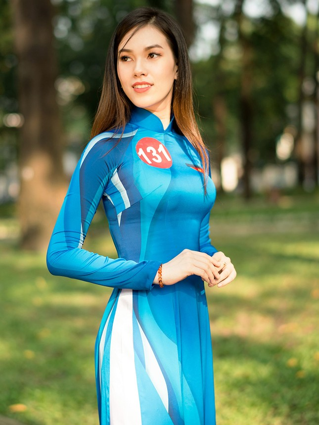 Thí sinh Hoa khôi Sinh viên Việt Nam khoe dáng áo dài thanh niên ảnh 11
