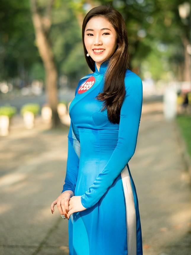 Thí sinh Hoa khôi Sinh viên Việt Nam khoe dáng áo dài thanh niên ảnh 12