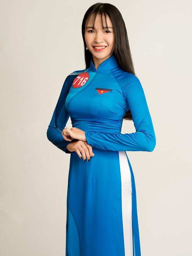 Hoa khôi Sinh viên Việt Nam rạng rỡ khoe dáng ảnh 11