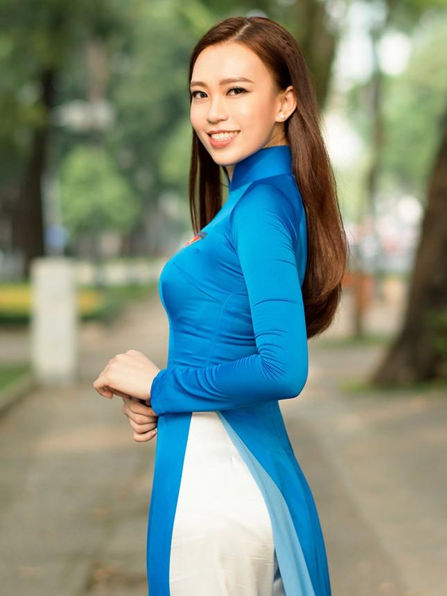 Thí sinh Hoa khôi Sinh viên Việt Nam khoe dáng áo dài thanh niên ảnh 17