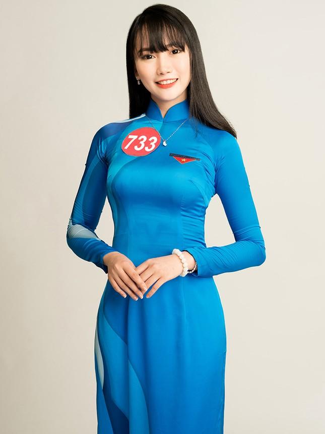 Hoa khôi Sinh viên Việt Nam rạng rỡ khoe dáng ảnh 8