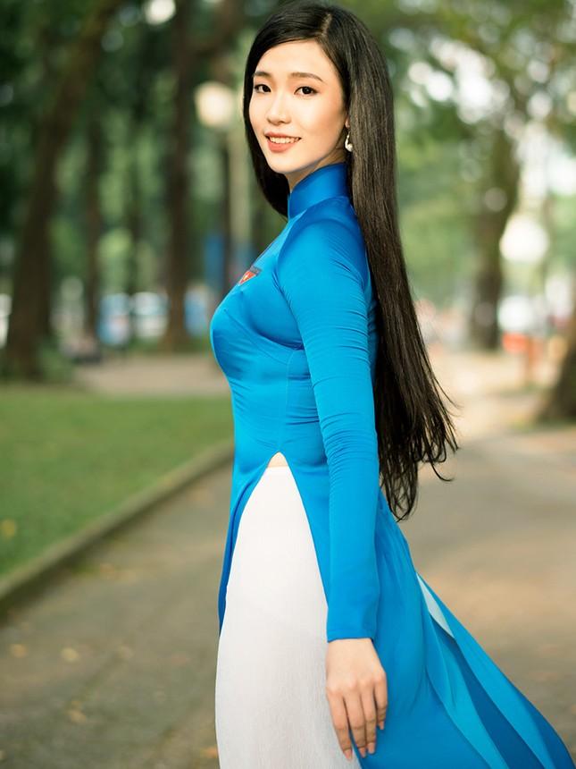 Thí sinh Hoa khôi Sinh viên Việt Nam khoe dáng áo dài thanh niên ảnh 16