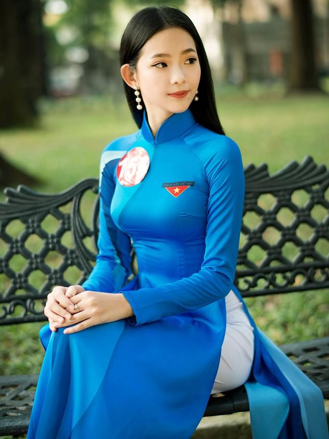Thí sinh Hoa khôi Sinh viên Việt Nam khoe dáng áo dài thanh niên ảnh 14