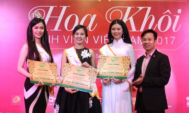 Thầy Nguyễn Ngọc Ký tặng sách Hoa khôi Sinh viên Việt Nam ảnh 11