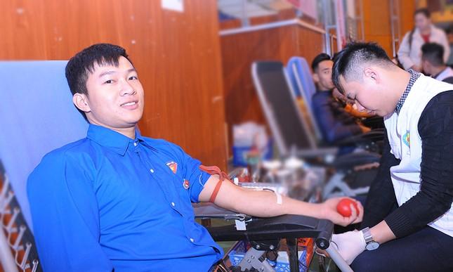Tuổi trẻ Hải Dương hào hứng hiến máu Chủ nhật Đỏ lần thứ X ảnh 8