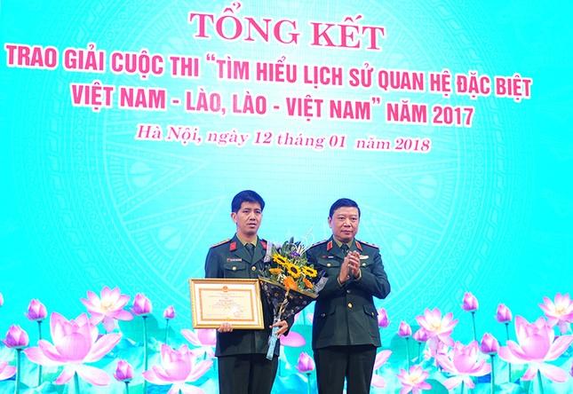 Tổng cục Chính trị QĐNDVN trao giải về tìm hiểu lịch sử quan hệ Việt-Lào ảnh 3