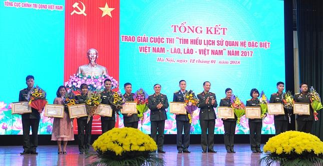 Tổng cục Chính trị QĐNDVN trao giải về tìm hiểu lịch sử quan hệ Việt-Lào ảnh 4