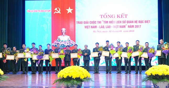 Tổng cục Chính trị QĐNDVN trao giải về tìm hiểu lịch sử quan hệ Việt-Lào ảnh 5