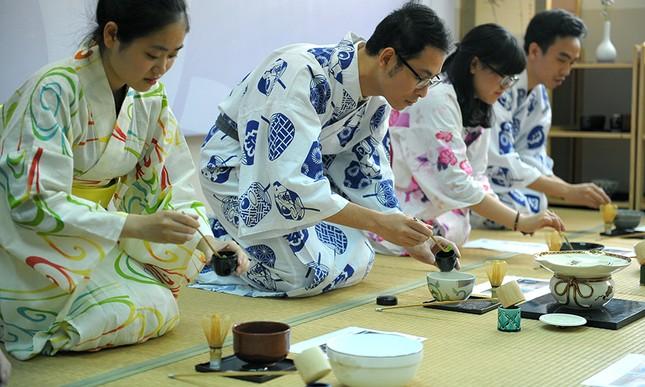 Giới trẻ Hà thành trải nghiệm trà đạo, kimono ảnh 6