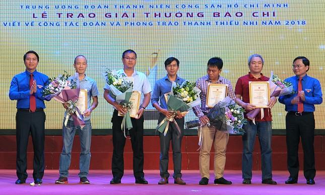 Báo Tiền Phong đạt nhiều giải cao viết về công tác Đoàn 2018 ảnh 6