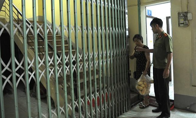 Hà Giang tăng cường an ninh, 'tiếp viện' đồ ăn để rà soát điểm thi ảnh 7