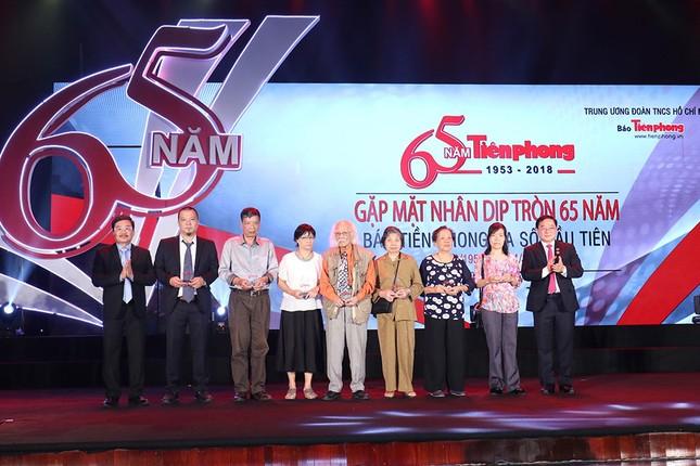 Trang trọng buổi gặp mặt kỷ niệm 65 năm báo Tiền Phong ra số đầu tiên ảnh 11