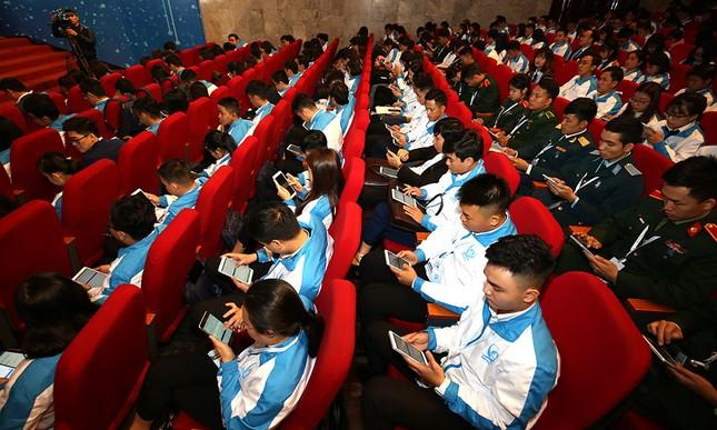 Đại hội Hội Sinh viên biểu quyết bằng công nghệ ảnh 3