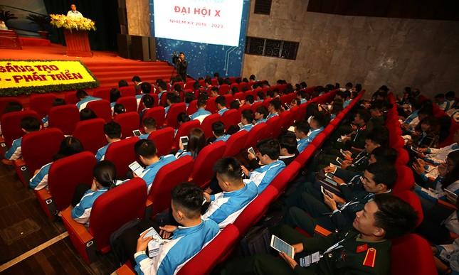 Đại hội Hội Sinh viên biểu quyết bằng công nghệ ảnh 1