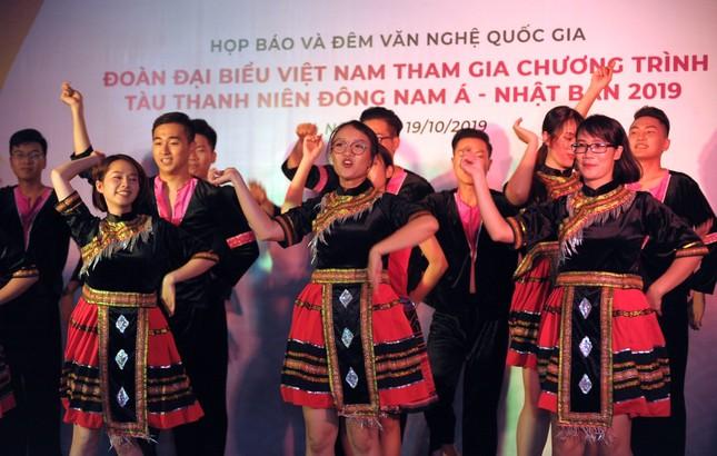 Đoàn Việt Nam tham dự Tàu Đông Nam Á - Nhật Bản cover 'Để Mị nói cho mà nghe' ảnh 7