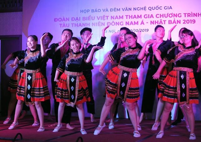 Đoàn Việt Nam tham dự Tàu Đông Nam Á - Nhật Bản cover 'Để Mị nói cho mà nghe' ảnh 8