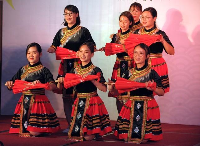 Đoàn Việt Nam tham dự Tàu Đông Nam Á - Nhật Bản cover 'Để Mị nói cho mà nghe' ảnh 9