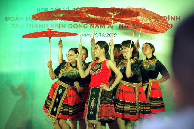 Đoàn Việt Nam tham dự Tàu Đông Nam Á - Nhật Bản cover 'Để Mị nói cho mà nghe' ảnh 6