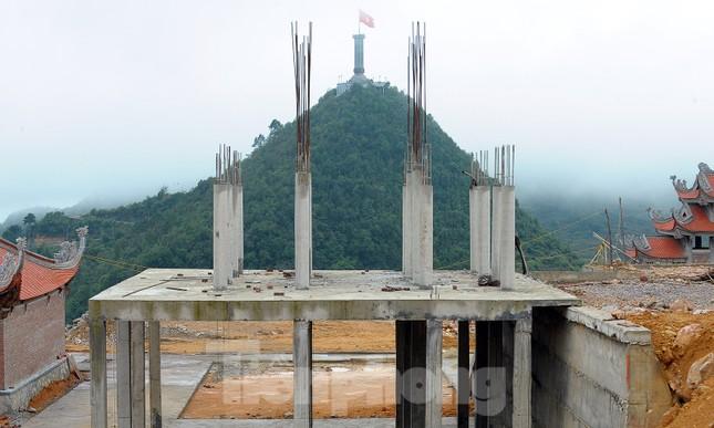 Đại công trường 'bức tử' không gian xanh cột cờ Lũng Cú ảnh 8