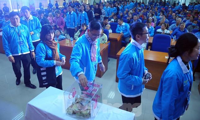 Đại biểu thanh niên mang nụ cười đến viện K Tân Triều ảnh 11