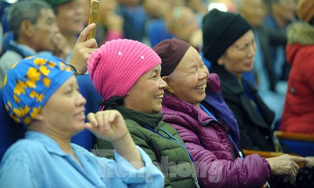 Đại biểu thanh niên mang nụ cười đến viện K Tân Triều ảnh 10