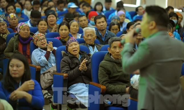 Đại biểu thanh niên mang nụ cười đến viện K Tân Triều ảnh 9