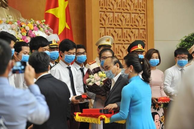 Thủ tướng gặp mặt các Gương mặt trẻ Việt Nam tiêu biểu năm 2019 ảnh 4
